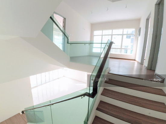 2.5 Sty Semi-D, Sentosa Heights Kajang Staircase  112900952