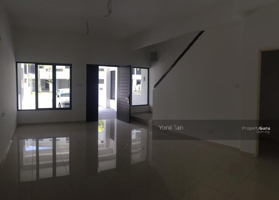 Vista Jambul , 3 Storey Gated Terrace with Extra Back Garden , 5 Bedrooms , Bukit Jambul  98876762