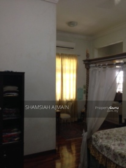 Bungalow at Kota Damansara  89826476