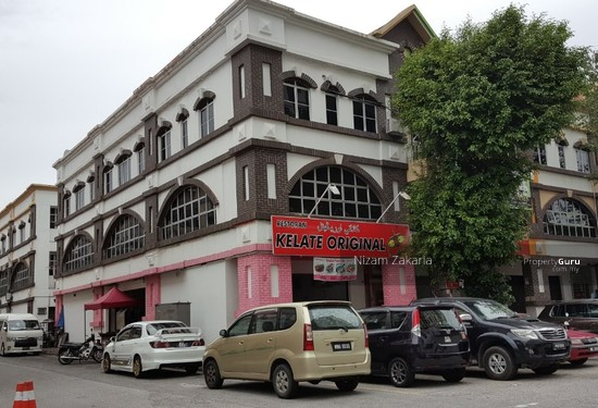 3 storey ENDLOT Section 8, Kota Damansara Petaling Jaya  99882341