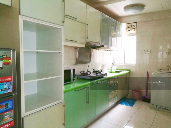 E-Tiara Serviced Apartment Kitchen 102645188