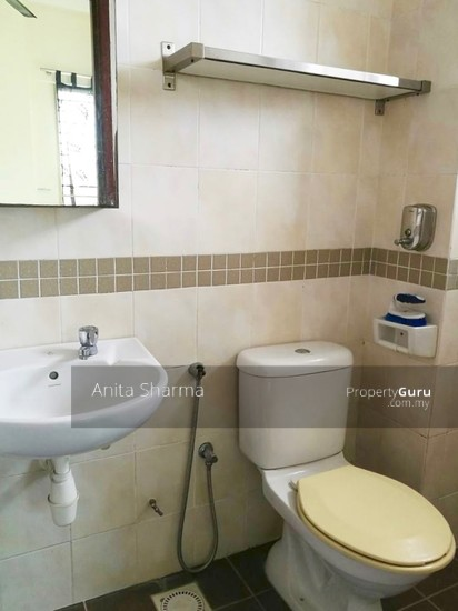 E-Tiara Serviced Apartment Bathroom 102645713
