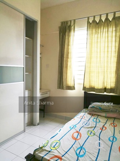 E-Tiara Serviced Apartment Bedroom 102646058
