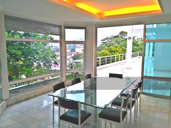 Damansara Heights 2.5 sty Bungalow with swimming pool  108546428