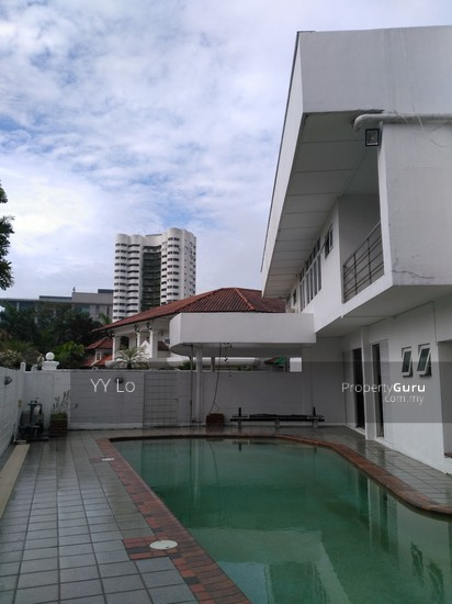 Damansara Heights 2.5 sty Bungalow with swimming pool  108546443