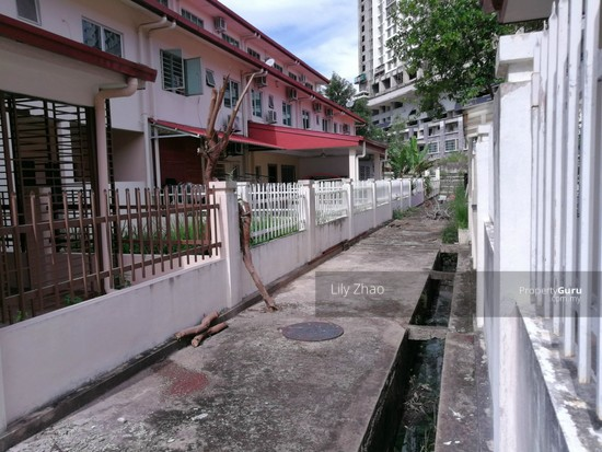 2.5 Storey Terraced House, Kingfisher Sulaiman Ph 2  121023152