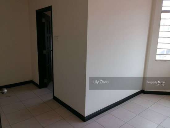 2.5 Storey Terraced House, Kingfisher Sulaiman Ph 2  121023230