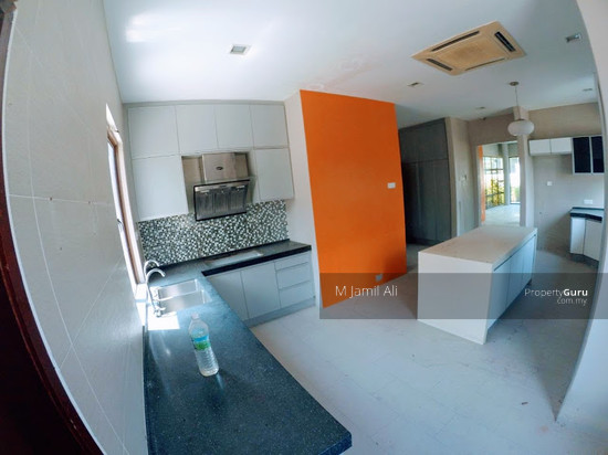 Bungalow With Land Banyan Close Bukit Mahkota, Kajang Spacious kitchen area 111400766