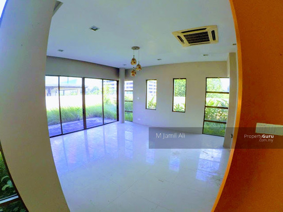 Bungalow With Land Banyan Close Bukit Mahkota, Kajang  111400865