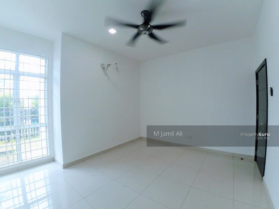 Perdana Lakeview West Bedroom 111557570