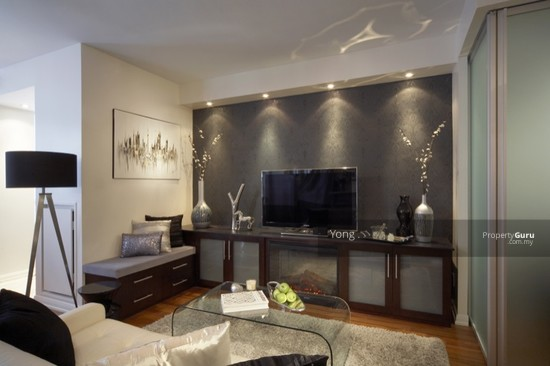 FREEHOLD CONDO , FAMILY CONCEPT ,FREE FURNISHED + CASH BACK  132013169