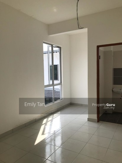 Klang Jalan Kebun New Malay Reserve Double Storey House easy access Shah Alam for sale  132201463