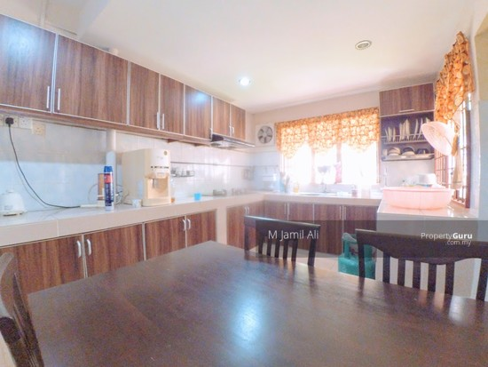 Villa Laman Tasik ,Bandar Sri Permaisuri Cheras Spacious Kitchen Area 124491455
