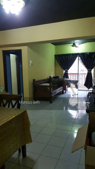 Sri Dahlia Apartment (Kajang)  129040979