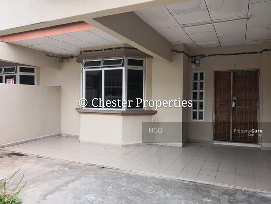 Double Storey Terrace No xx Jalan Universiti 9 Taman Universiti 86400 Parit Raja  Johor   129586586