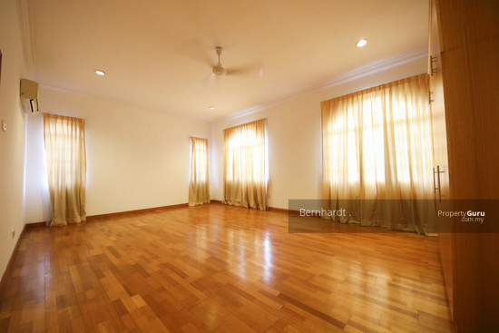 Putrajaya ,Beverly Row Bungalow  with Pool  130775542