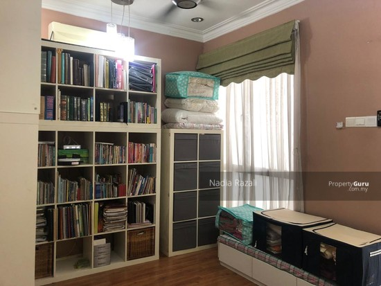 RENOVATED 2-Storey Terrace House Intermediate (Type Spira), Alam Impian, Shah Alam  130976188