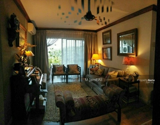 A RENOVATED 3 BEDROOM APARTMENT @ PANTAI HILL PARK PHASE 2  132567956