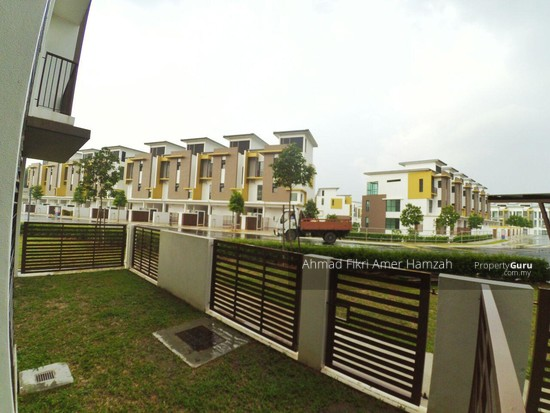 [ 2R2B ] Townhouse At Kota Seriemas [ FOR INVESTMENT ] [ AIRBNB ] [ KLIA ]  132960856