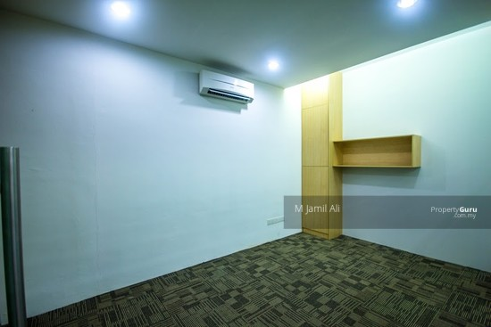 Ground Floor For Office Used at Plaza Paragon opposite Bangi Sentral SOHO For Rent  133042289