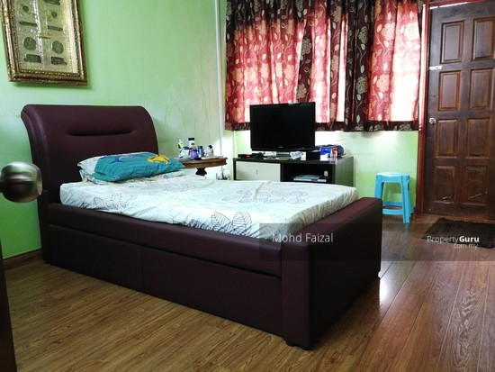 Corner Double Storey Semi Detached House, 4260sft SS 7, Kelana Jaya  133707606