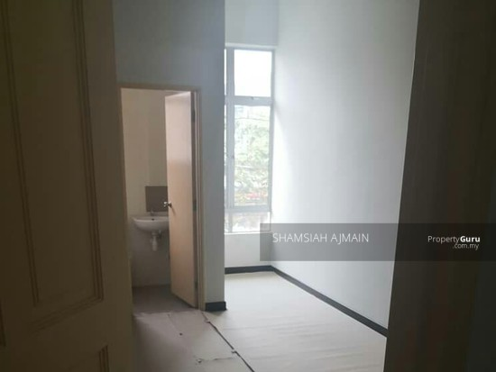 Double Storey Terrace At Puncak Saujana Section 4, Kajang  135839539