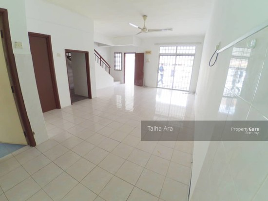 NEW REFURBISHED | 2 Sty SP4 Bandar Saujana Putra Puchong  135805590