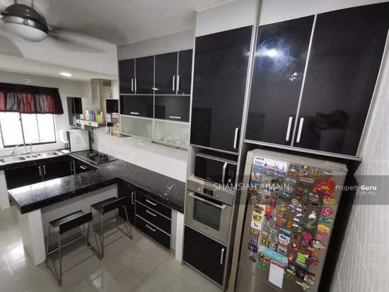 Double Storey Corner Unit at Subang Bestari, Section U5  135876092
