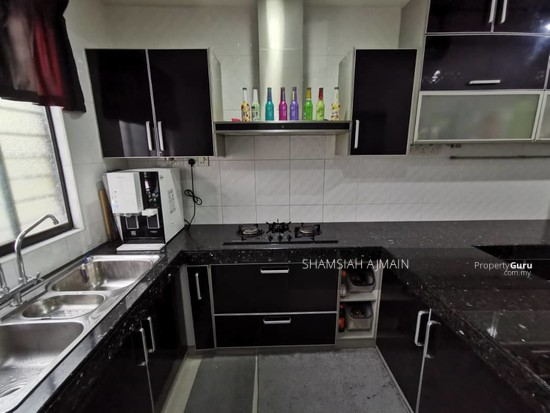 Double Storey Corner Unit at Subang Bestari, Section U5  135876097