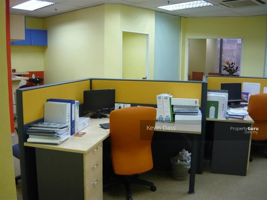 OFFICE IN IOI BUSINESS PARK PUCHONG FOR RENT  136665682