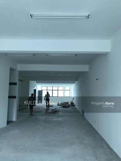 5 storey industrial building in Sg. Besi KL  136857697