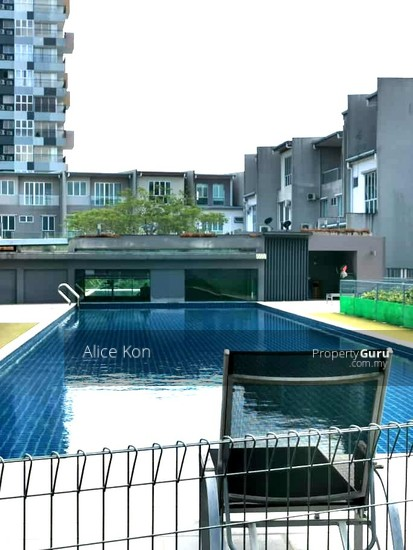 Academia Lane gated guarded besides Unimas and Golf Club  137555146
