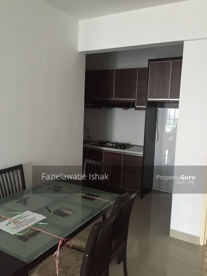 De Centrum Residence Unipark Suria Bangi Kajang SEMI FURNISHED FREEHOLD  137939078