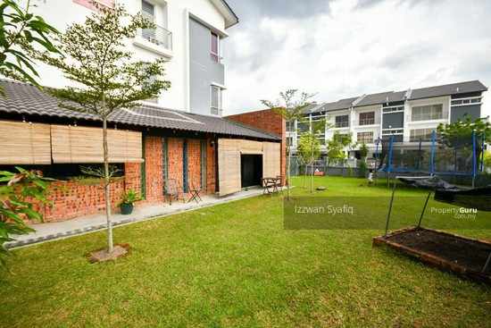 Beautiful Renovated 3 Storey Superlink (Corner Lot), Fairfield Residence, Tropicana Heights Kajang  138216490