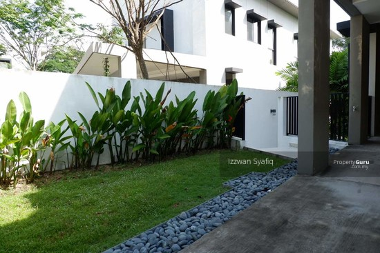 Beautiful Bungalow Villa with Swimmig Pool, 20 Trees, Taman Melawati, Near Melawati Mall  138218669