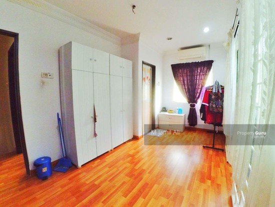 Renovated Corner link house nearby to UITM Shah Alam  139665764