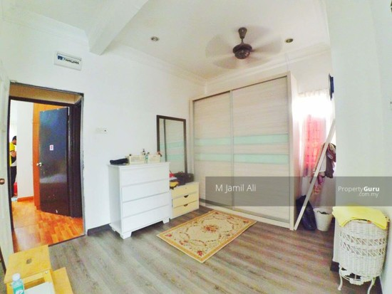 Renovated Corner link house nearby to UITM Shah Alam  139665784