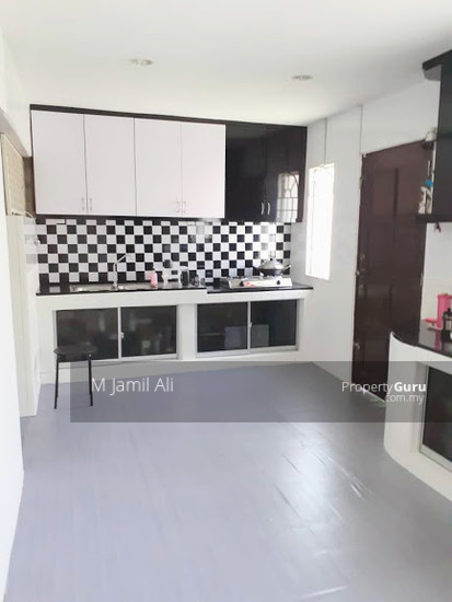Renovated Corner link house nearby to UITM Shah Alam  139665794