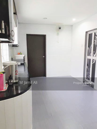 Renovated Corner link house nearby to UITM Shah Alam  139668818