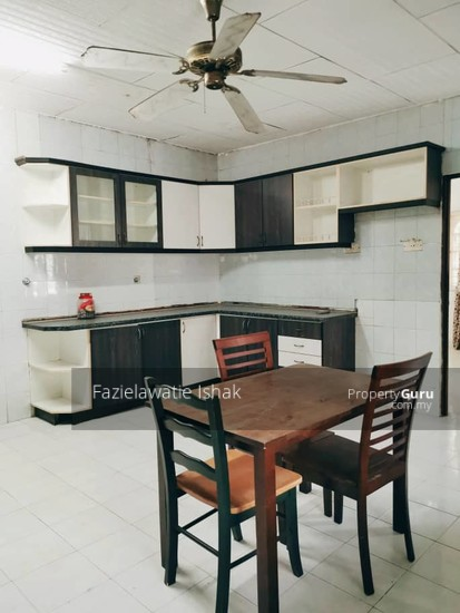 CORNER LOT Double Storey Sri Sedeli Taman Sri Andalas Klang RENOVATED & SEMI FURNISHED  140229309