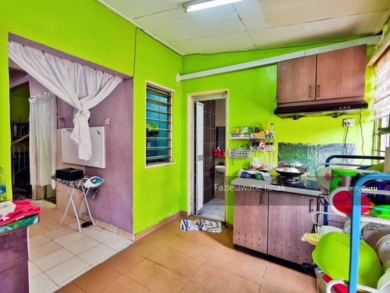 1.5 Storey Taman Impian Putra, Bandar Sri Putra Bangi [END LOT & RENOVATED]  141848644