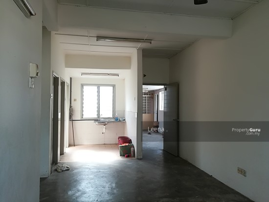 LOW COST FLAT SRI PUTRA BLOCK C  142489754