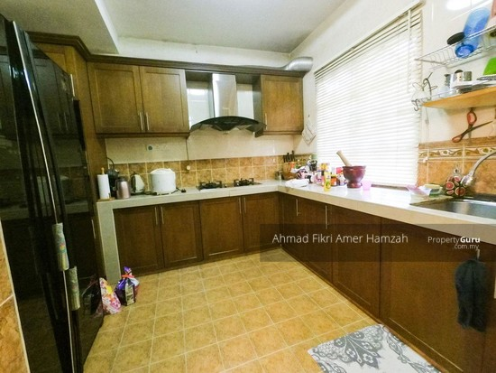 [RENOVATED] Double Storey Terrace Putra Heights  142529567