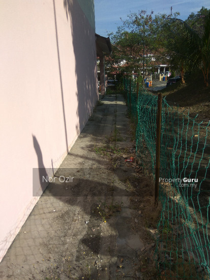 END LOT DOUBLE STOREY EXTRA LAND SUBANG IMPIAN U10  144940279