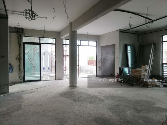 NEW-GATED, pool, KL (foreigners can buy)*  145308088