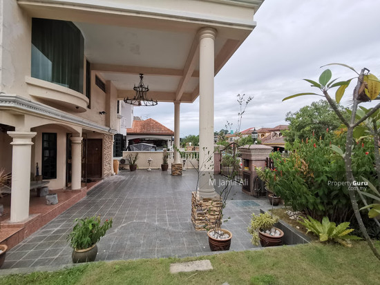 Beautiful Semi-d Bandar Tun Hussein Onn  147395765