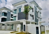 Good Deals 3 Storey Bungalow Lambaian Residence Bangi Kajang - Property For Sale in Malaysia