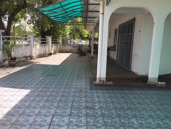 DOUBLE STOREY CORNER HOUSE IN PUCHONG UTAMA FOR SALE  148414738
