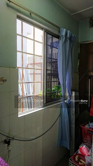 USJ 13 End Lot Kitchen window at back 149253275