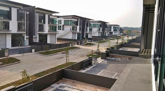 IJOK Kota Puteri 3 Storey Semi-D Factory Cheap Rental RM10500 ONLY  155022002